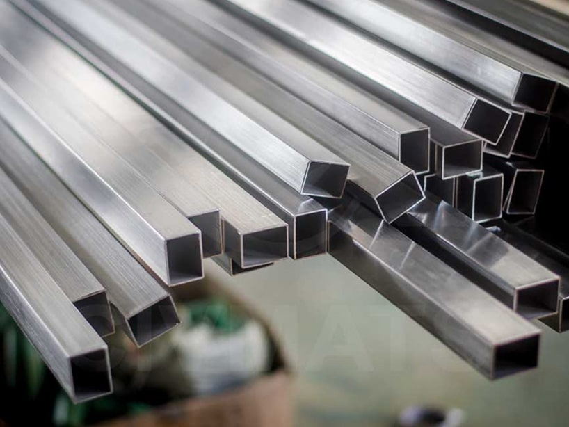 Stainless Steel 304/304L Square Pipes/Tubes Manufacturer in Mumbai India